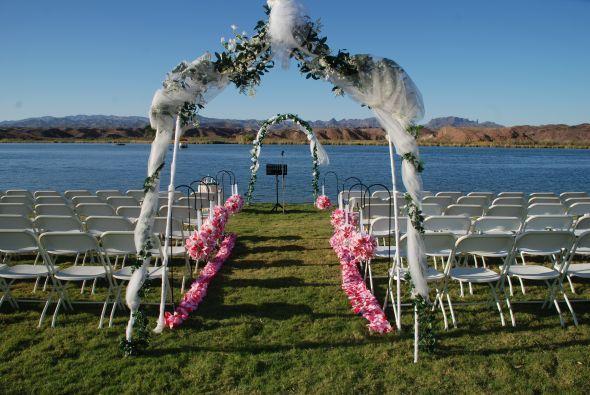 Diy Beach Wedding Ceremony Decorations : Pin by bella beach weddings on diy wedding