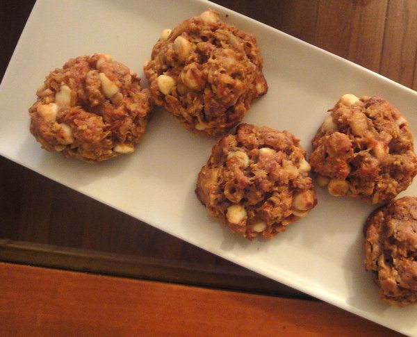 Carrot Cake Cookies. Flavor of carrot cake in a cookie (and far ...