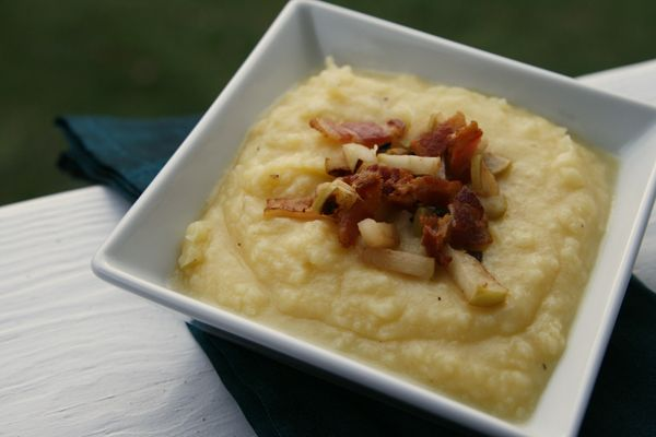 Cheddar Mashed Potatoes with Bacon and Apples