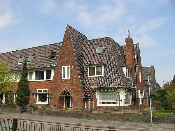 Jaren 30 Keuken Amsterdamse School : Amsterdamse School Hilversum