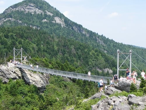 Grandfather mountain mile high swinging bridge