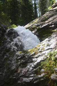 Donut Falls Hiking Trail - Big Cottonwood Canyon