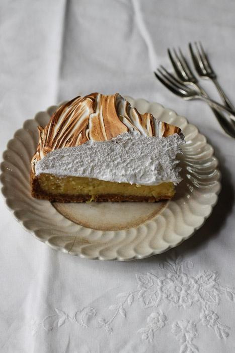 Italian meringue lemon meringue pie. Can't wait to make - and eat ...