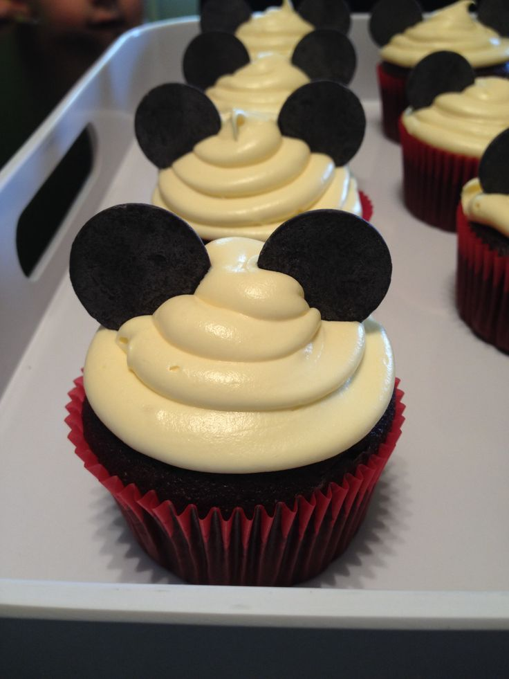 Pictures Of Mickey Mouse Cupcakes : Mickey Mouse cupcakes Parties Pinterest