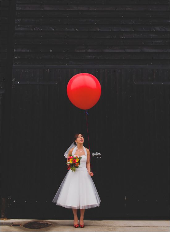 bride with giant balloon