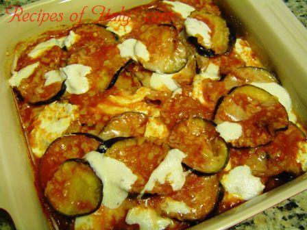 Traditional Italian Eggplant Parmigiana (Melanzane alla Parmigiana ...