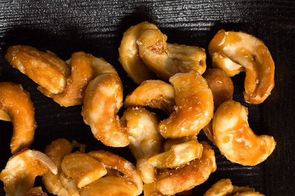 Holiday Appetizers : Honeyed Cashews with Kosher Salt