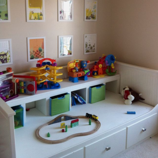 Ikea Schreibtisch Verstellbar ~ Mia's playroom  guest room  daybed turned into activity table  when