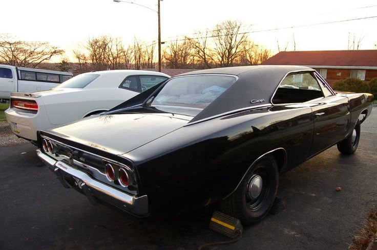 68 charger 09 challenger cars butch likes pinterest. Black Bedroom Furniture Sets. Home Design Ideas