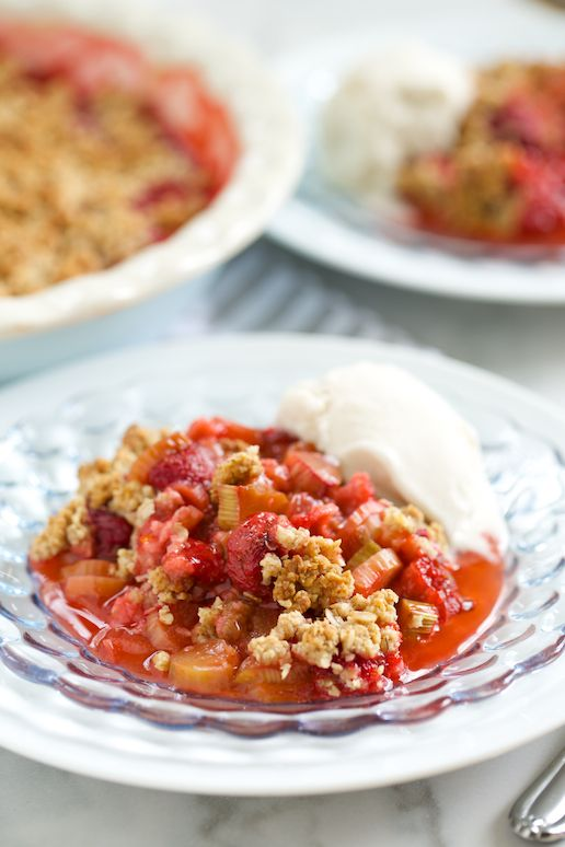 Strawberry Rhubarb Crisp (grain free option) | GI 365