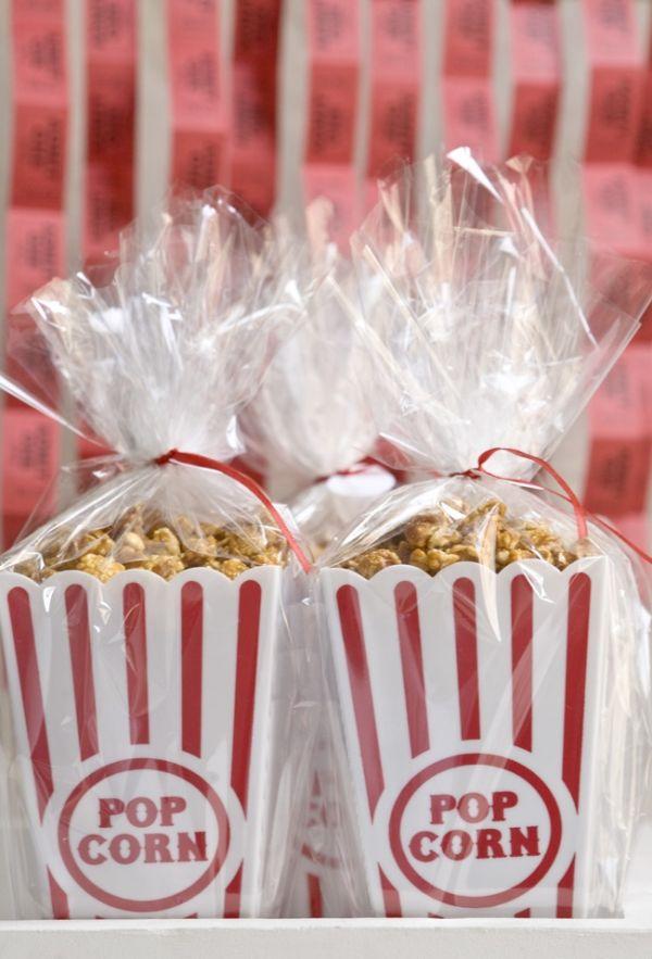 http://ruffledmedia.ruffled.netdna-cdn.com/wp-content/upLoads/caramel-popcorn-wedding-favors/diy-caramel-popcorn-weddingfavors-06.jpg