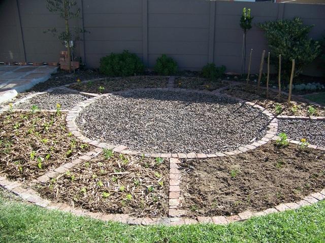 Circular garden circular garden ideas Pinterest