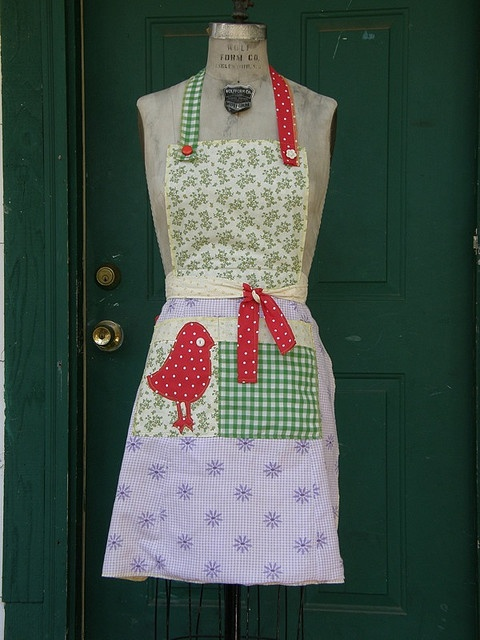 apron from belleandburger.bl...