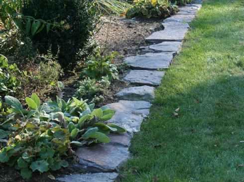 Fieldstone garden path garden path stone is a fieldstone - Natural stone garden edging ...