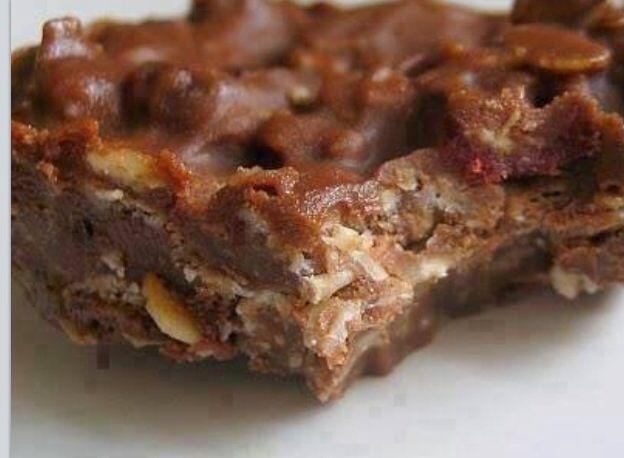 Oatmeal chocolate peanut butter bars | Desserts | Pinterest