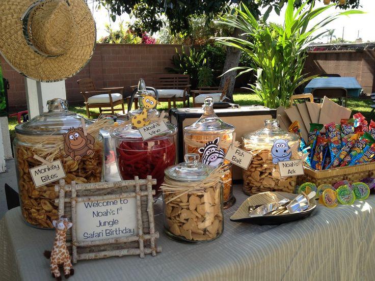 Decor snack ideas in cute jars noah 39 s ark baby shower for Noah s ark decorations