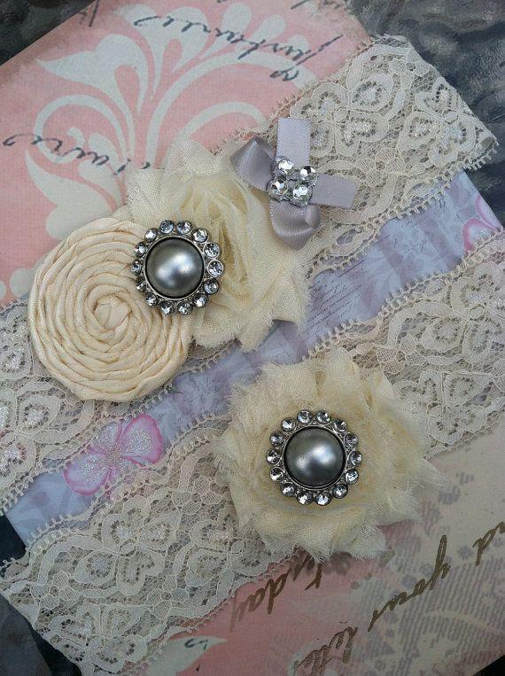 Garter/ ivory/ silver grey wedding garter / by whomadethatbow,