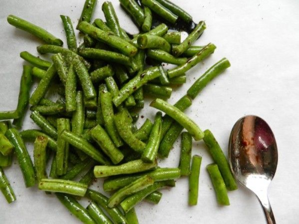 Balsamic roasted green beans | Recipe