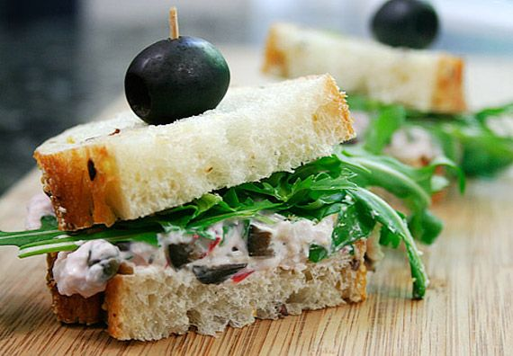 Radish Sandwiches with Capers, Black Olives and Arugula (radishes ...