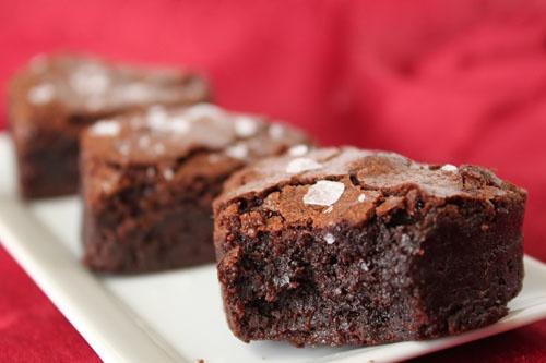 Salted Fudge Brownies: Happy Valentine's Day to YOU | SugarHero!