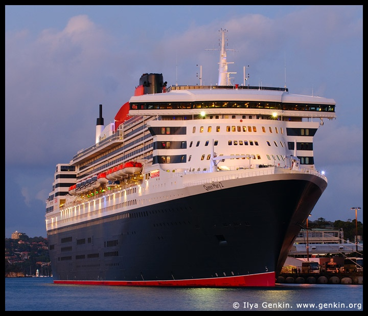 Rms queen mary 2 travelling ideas dreams pinterest for Garderobe queen mary 2