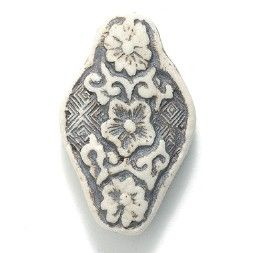 VN632, High Fired Oval Floral Design 18mm, from our Three Wise Men ...
