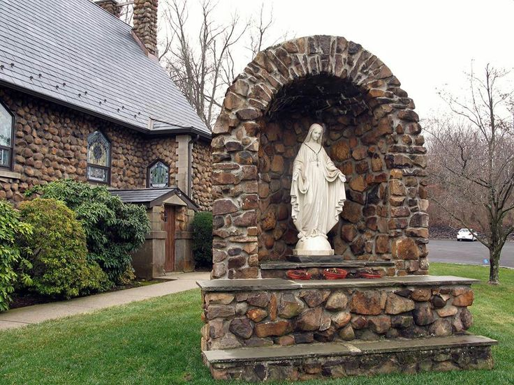 Beautiful grotto garden pinterest for Garden grotto designs