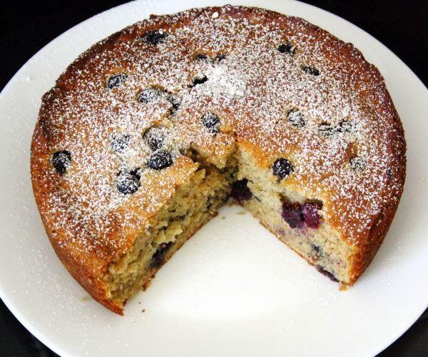 : Banana Cake with cinnamon and blueberry / Banana Cake with Cinnamon ...
