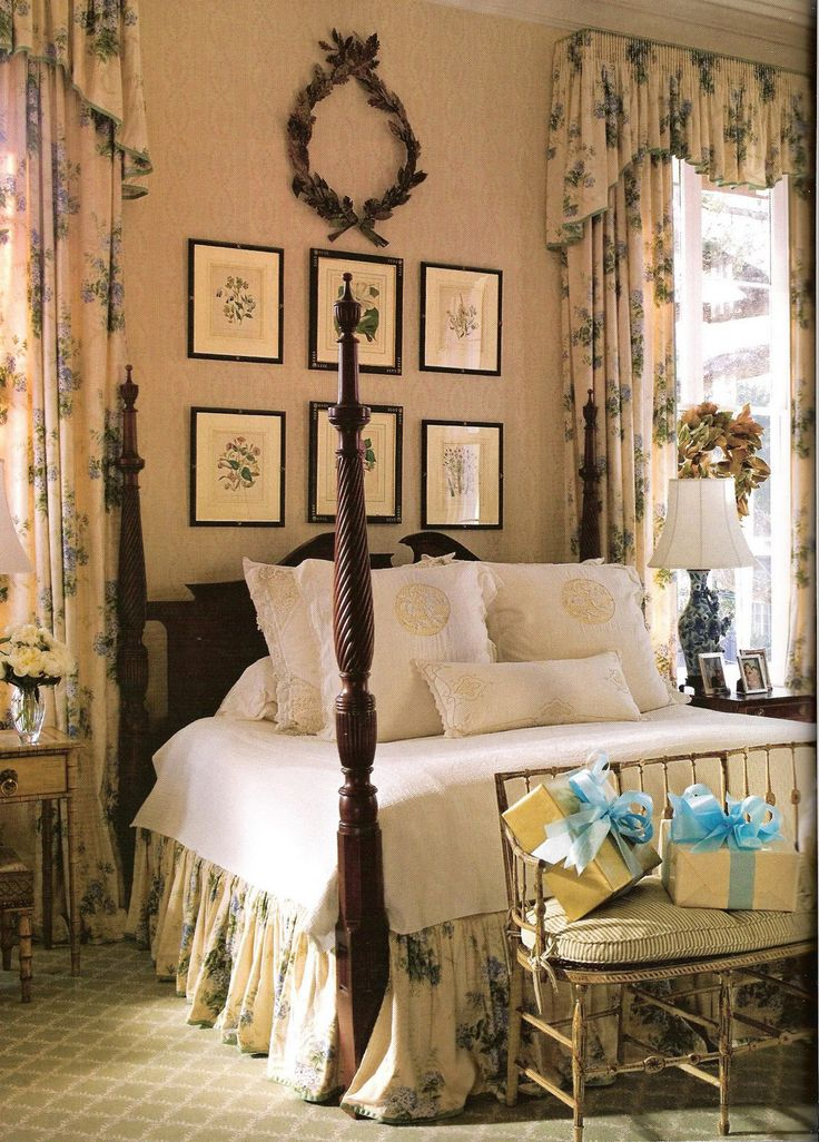 New Orleans master bedroom, with a 19th-century English four-poster bed. Southern Accents