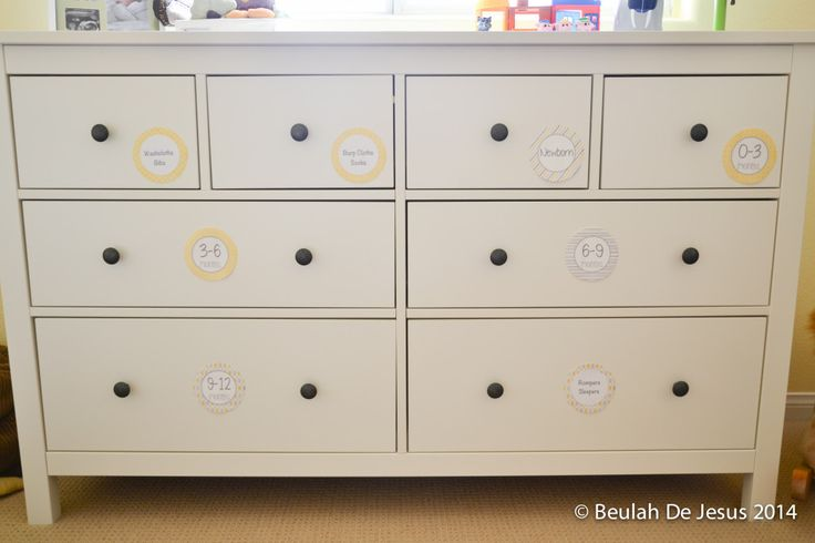 So smart! Use removable labels on drawers to organize baby clothes by size or item. #nursery #organization #storage