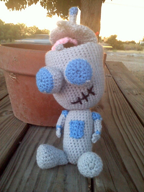 Crochet Invader Zim Patterns : Ravelry: Gir with cupcake (invader zim) pattern by Tawana Edwards