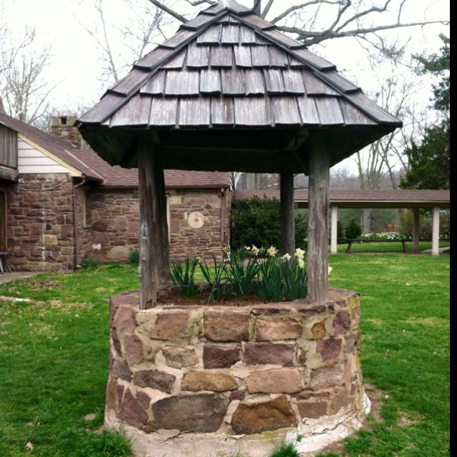 Wishing well divine exteriors pinterest for Well pictures