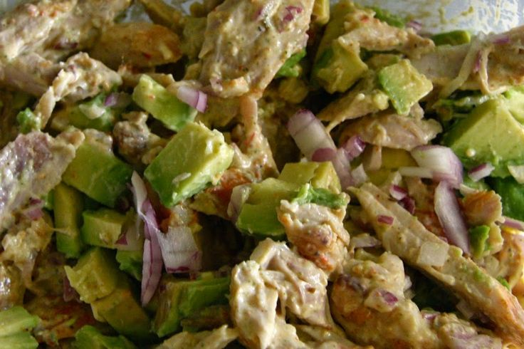 No mayonnaise chicken salad, uses avocado sauce substitute instead!