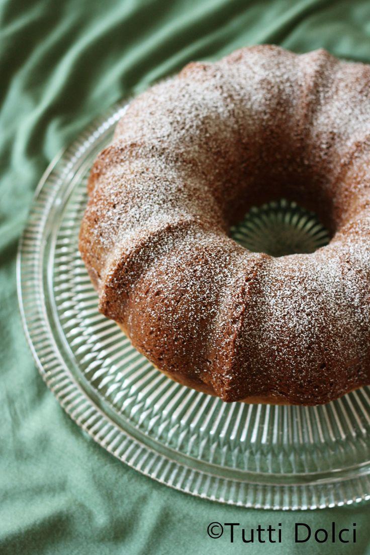 Honey-almond bundt cake @Laura Jayson | Tutti Dolci