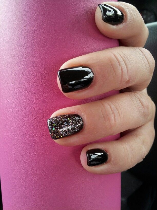 Pretty black nails