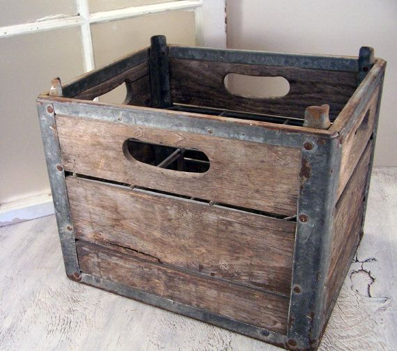 38 vintage wood and metal milk crate home decorating for Decorating with milk crates