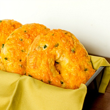 Jalapeno Cheddar Bagels...oh these look amazing. Can imagine slices of ...
