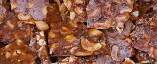 Bacon Cashew Brittle | je veux manger le cochon | Pinterest