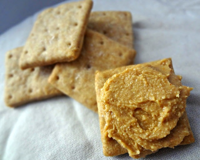 Homemade Whole Wheat Ritz Crackers | Food & Drink that I love | Pinte ...