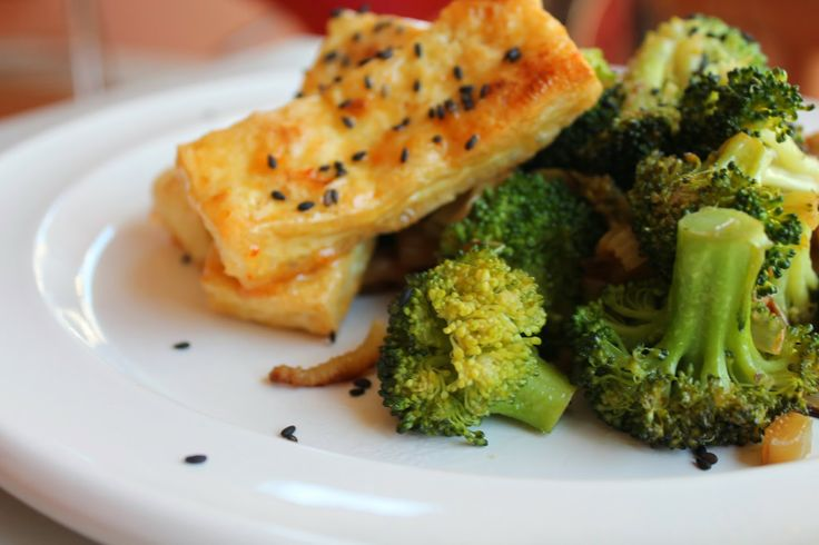 Stir fry with baked tofu and broccoli! | Food | Pinterest