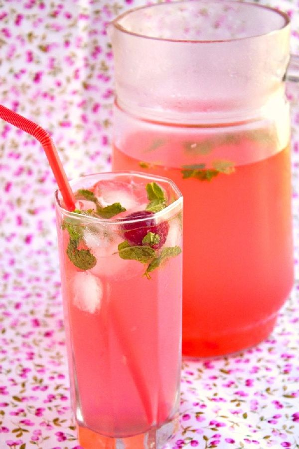 Pink Lemonade recipe (uses raspberry) | Megi | Pinterest