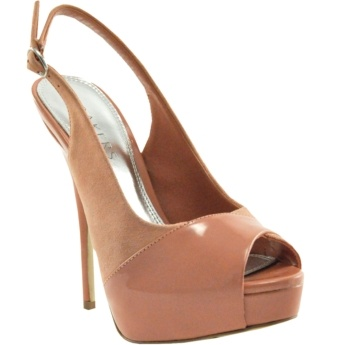 am craving coral colored shoes