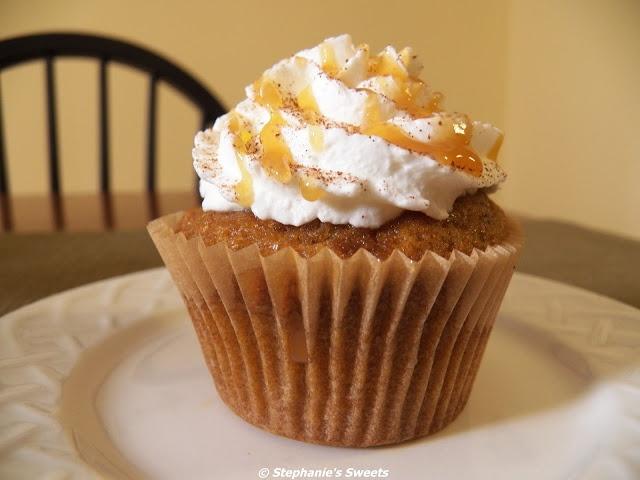 Pumpkin spice latte cupcakes   bake someone happy   Pinterest