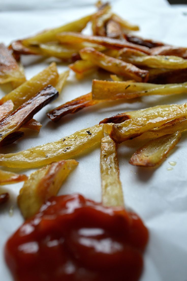 Oven Baked Fries With Pink Himalayan Salt, Garlic & Thyme + Homemade ...