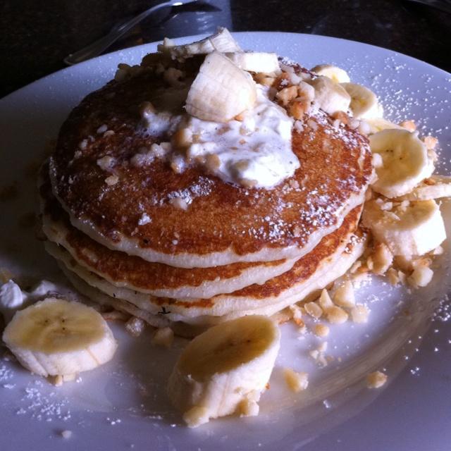 Banana Macadamia Nut Pancakes. | Recipies | Pinterest