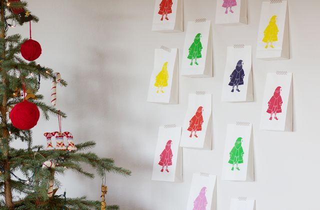 [dandee]: Secret Santa Advent Calendar - filled w/ random acts of Christmas kindness