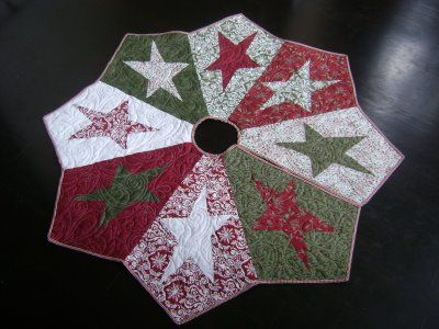 Quilted Christmas Tree Skirt Pinterest : Quilted star tree skirt Christmas Pinterest