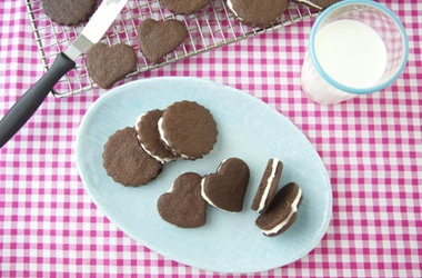 Oreo Cookies. Yes You Can Make Them at Home — Punchfork | Baking ...