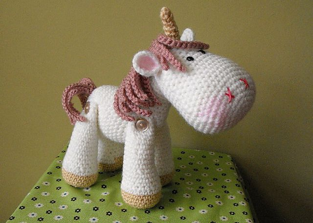 Luna the Unicorn pattern by Janice Cyr
