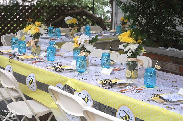 bumble bee baby shower baby shower party ideas. Black Bedroom Furniture Sets. Home Design Ideas